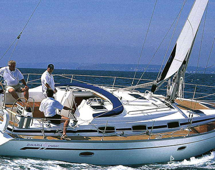 Slider bavaria42cruiser02