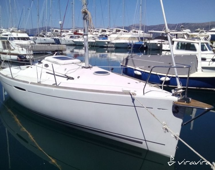 Slider 959979370000102332 beneteau first 21.7 ext 1
